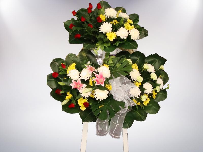 พวงหรีดดอกไม้สด หีบศพ โลงศพ