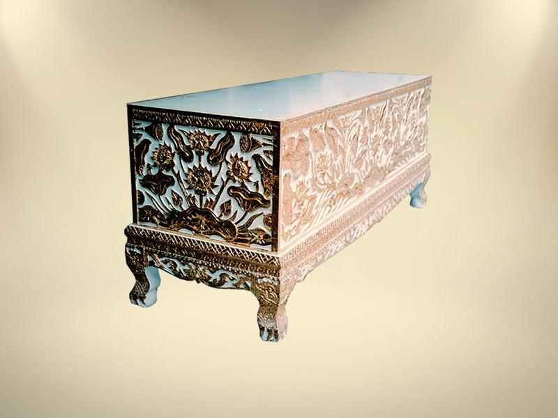 หีบทองในแกะลายกอบัว ขายโลงศพ จำหน่ายโลงศพ โลงศพราคา หีบศพ