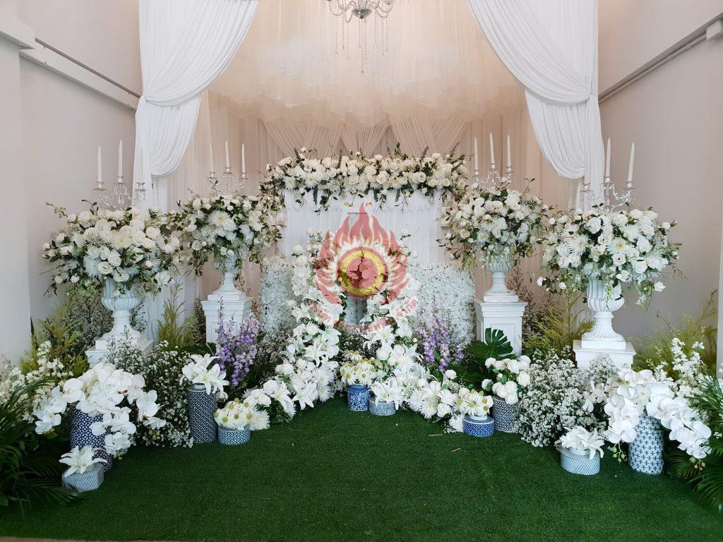 รับจัดดอกไม้หน้าศพแบบโมเดิร์น ดอกไม้หน้าศพ สุริยาหีบศพ บริการครบวงจร