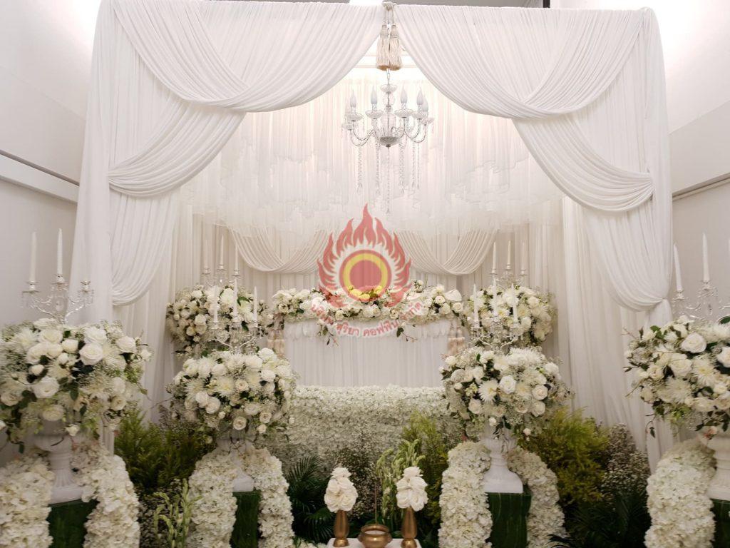 ดอกไม้หน้าศพสั่งทำพิเศา ดอกไม้หน้าศพแบบโมเดิร์น สุริยาหีบศพ